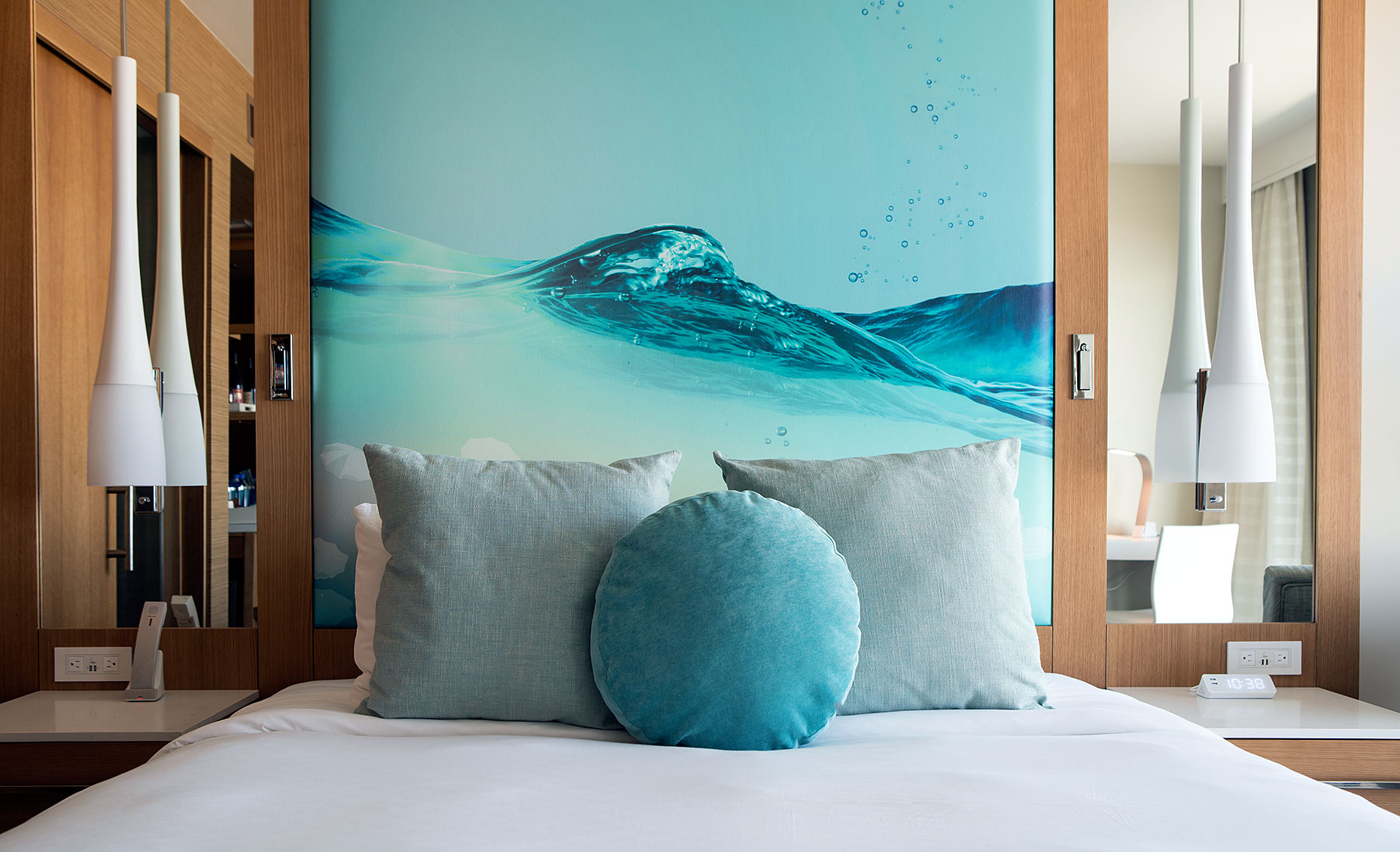 Pasea_Hotel_Guest_Room_Bed_Detail