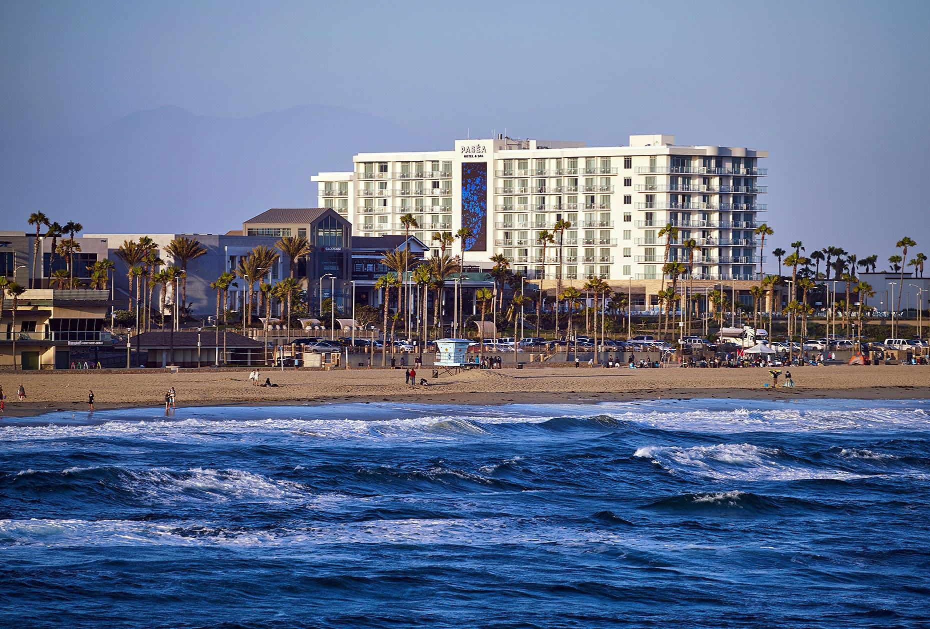 Pasea_Hotel_From_Huntington_Beach_Pier